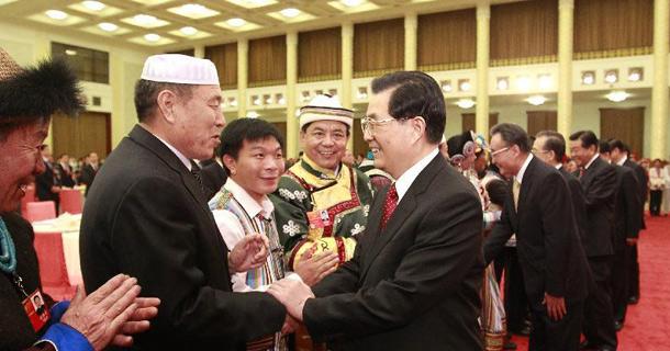 胡锦涛等出席两会少数民族代表委员茶话会