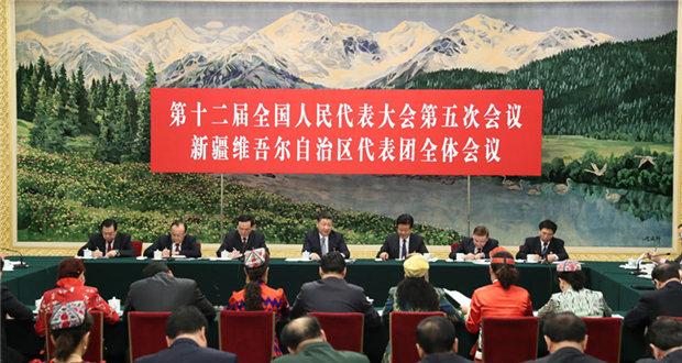 习近平:努力建设中国特色社会主义新疆