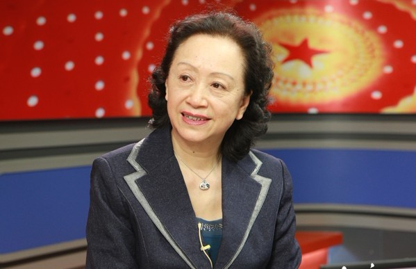 全国政协委员张抗抗