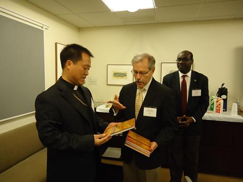 """""""中宗和""""副主席郭金才访问美国圣经公会"""