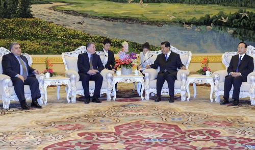 2月26日,全国政协主席贾庆林在北京人民大会堂会见阿塞拜疆国民议会第一副议长阿斯克罗夫。新华社记者 张铎 摄
