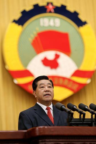 3月3日,中国人民政治协商会议第十二届全国委员会第一次会议在北京人民大会堂开幕。贾庆林代表政协第十一届全国委员会常务委员会,向大会作工作报告。新华社记者刘卫兵摄