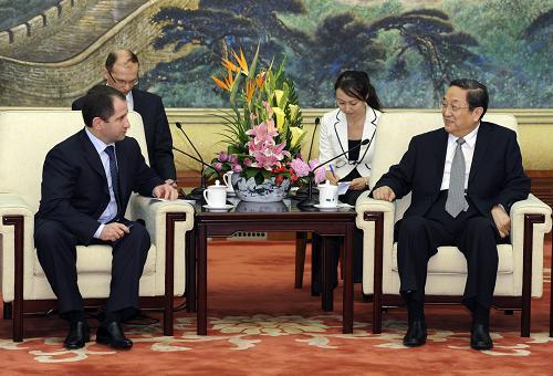 5月13日,全国政协主席俞正声在北京人民大会堂会见俄罗斯总统驻伏尔加河沿岸联邦区全权代表巴比奇。新华社记者 饶爱民 摄